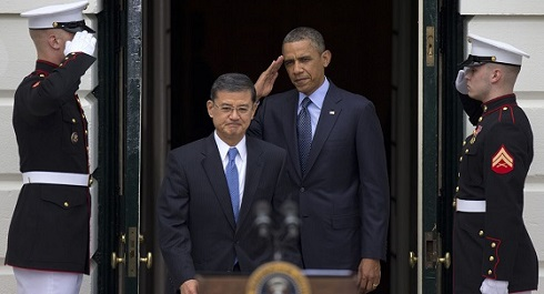 Shinseki Obama salute 490