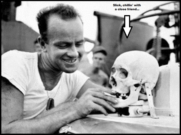 Skull ~ Slick chillin' with a close friend ~ Soldier 800