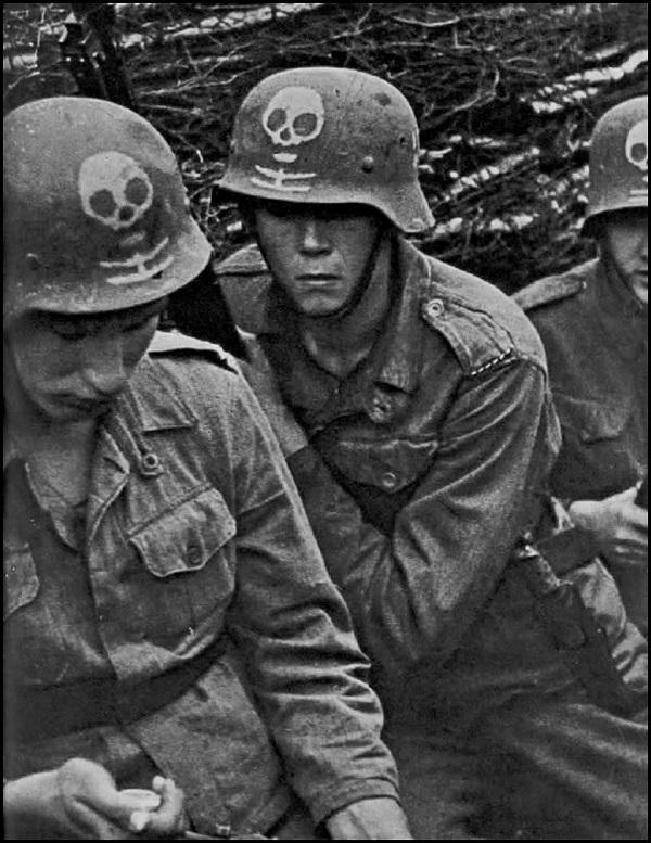 German soldiers death's head Russia 600